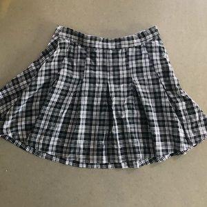 black & white plaid pleated mini skirt